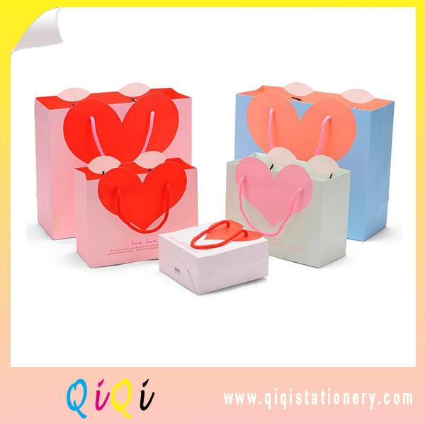 supply lovely Heart design gift decoration bag packing bag